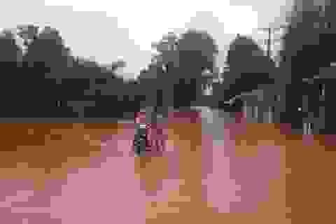"""Đảo ngọc Phú Quốc chìm trong """"biển"""" nước sau 2 ngày mưa lớn"""
