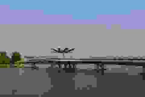 Cận cảnh cây cầu đi bộ đầu tiên ở miền Tây