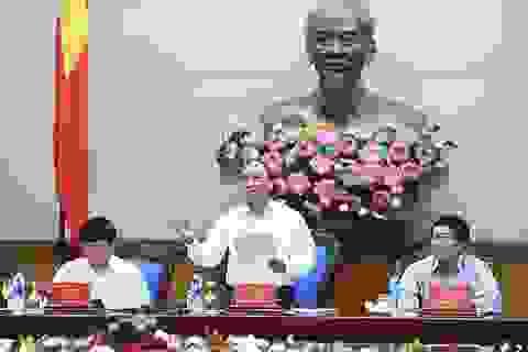 Thủ tướng: Sớm trình Quốc hội khoá mới luật tiền lương tối thiểu