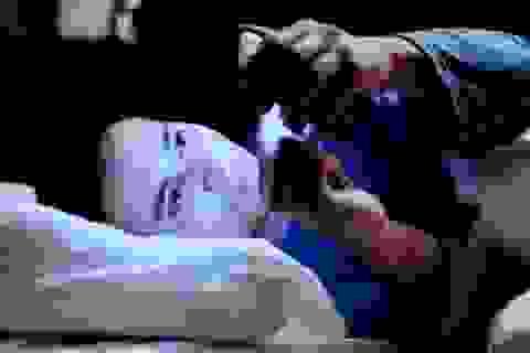 Sử dụng điện thoại di động trước khi ngủ gây tác hại gì?