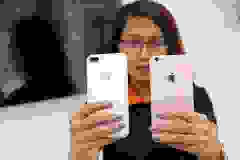 """Mở bán iPhone 7 và 7 Plus chính hãng: """"Kẻ ăn không hết, người lần chẳng ra"""""""