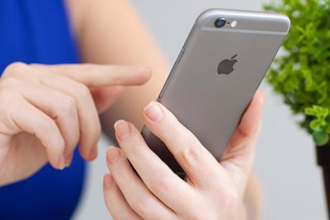 """Apple thay pin miễn phí cho các máy iPhone 6s bị """"đột tử"""""""