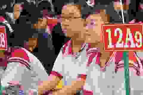 """TPHCM: Cấm dạy thêm trong nhà trường, giải quyết """"hệ lụy"""" thế nào?"""
