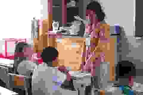 Giáo viên không phải thu tiền học sinh: Luật vua thua lệ làng!