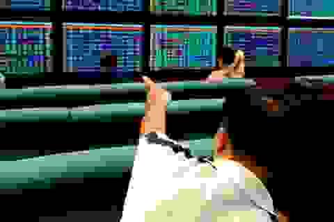 Cổ phiếu ngân hàng bùng nổ, VN-Index bật tăng gần 10 điểm!