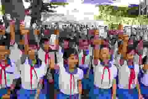Quỹ sữa Vươn cao Việt Nam trao tặng 111.000 ly sữa cho hơn 1.200 trẻ em