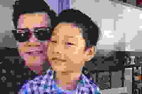 Quang Dũng đón con trai về Việt Nam ăn Tết bằng album nhạc xuân