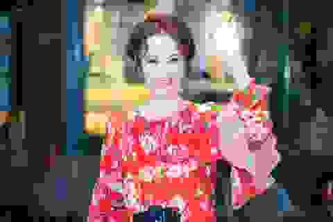 """Angela Phương Trinh tiết lộ cảnh """"khoá môi"""" Trường Giang giữa """"tâm bão"""""""