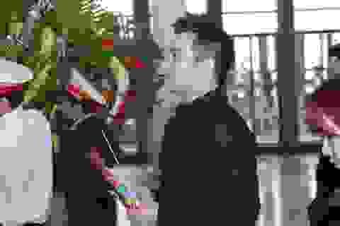 """Ca sĩ Minh Quân: """"Chúng tôi đứng ngoài phòng thu nín thở dõi theo vợ con anh Lập hát"""""""