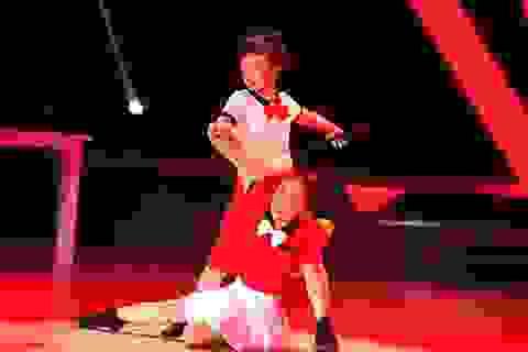 """Chuyện xúc động về hai tài năng nhí """"thoát"""" tự kỷ nhờ Dance Sport"""