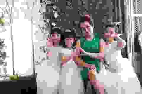 """Thái Thùy Linh lần đầu """"tung ảnh"""" chụp với con riêng của chồng"""