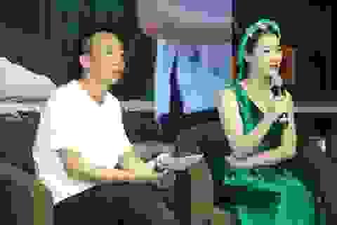 Người vợ kém 18 tuổi của NSƯT Việt Hoàn lấn sân ca hát