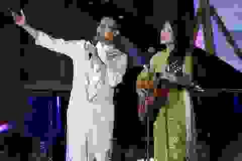 """Thái Hoà, Hồng Hạnh song ca """"Như cánh vạc bay"""" bằng tiếng Nhật - Việt"""