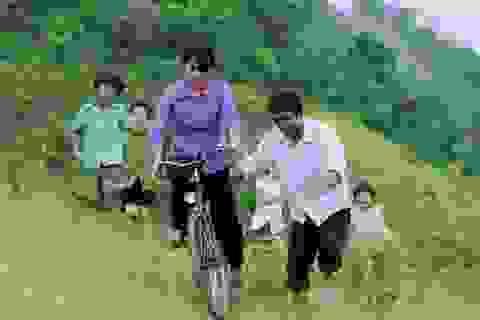 Nhạc sĩ nổi tiếng Hàn Quốc không kìm được nước mắt khi xem phim Việt