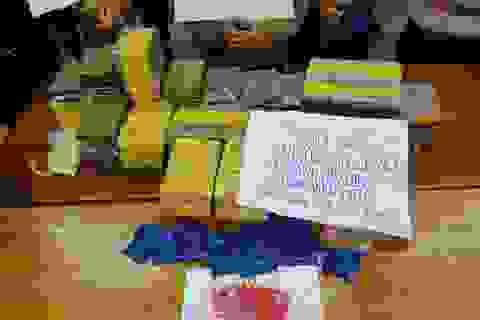 Bắt vụ vận chuyển hơn 90 bánh heroin trong ngày đầu năm mới