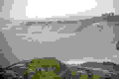 Mỏ quặng sắt lớn nhất Đông Nam Á đang biến thành hồ nước khổng lồ