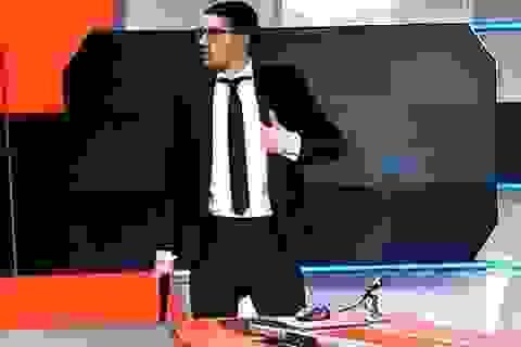 """Tay súng 19 tuổi """"cướp sóng"""" đài truyền hình quốc gia Hà Lan"""