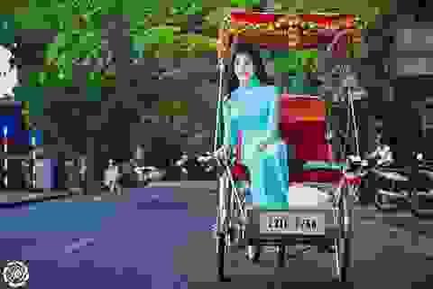 Sao Việt trên những con phố đầy cây xanh Hà Nội