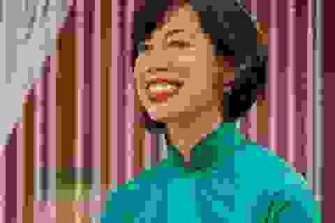 Vua đầu bếp Mỹ Christine Hà gây sốt với video dạy cách trang điểm