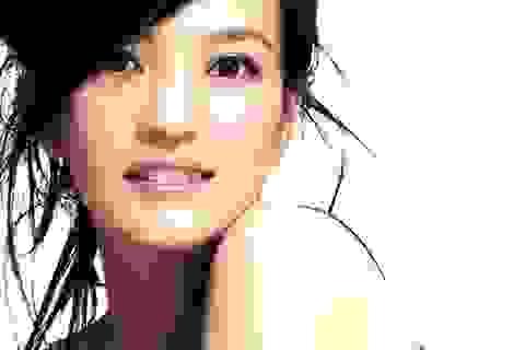 Diễn viên Triệu Vy bị kiện vì... mắt quá to