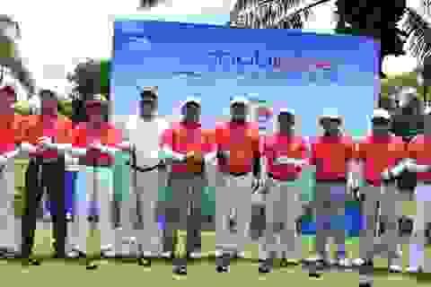 Giải Golf Mobifone 2014 trao 300 triệu đồng từ thiện cho Quỹ Hope For Children và Quỹ phát triển Gôn trẻ Việt Nam
