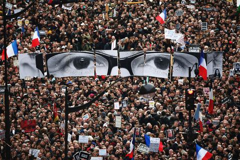 """""""Người Paris"""" vào top 5 Nhân vật có ảnh hưởng nhất 2015"""
