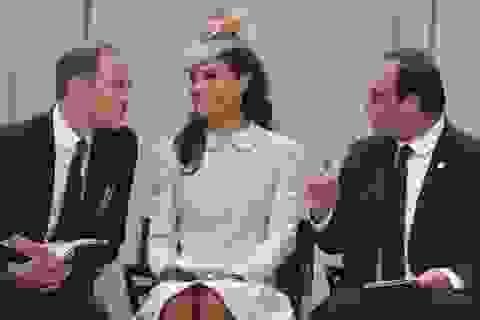 Hoàng gia Anh bị từ chối đặt phòng tại Pháp vì hết chỗ