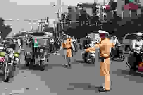 Cảnh sát giao thông muốn là có quyền dừng xe người tham gia giao thông?