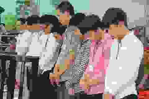 Xử nhóm thanh niên xông vào UBND phường chém người
