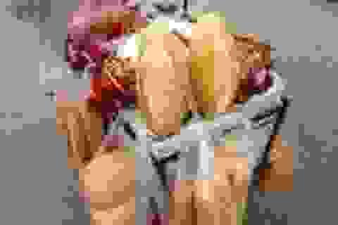 Trả hồ sơ vụ cướp bánh mì