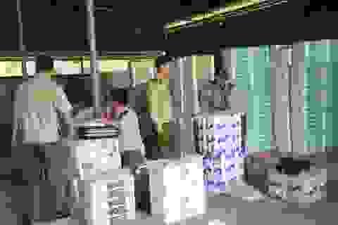 Phát hiện cơ sở sản xuất giấy vệ sinh giả các nhãn hiệu với số lượng lớn