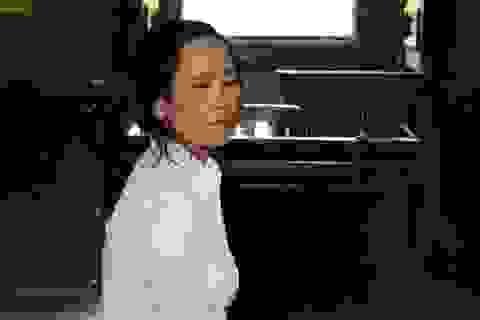 """Tranh cãi vì chiếc thau, bà bán thịt đâm chết """"đồng nghiệp"""""""