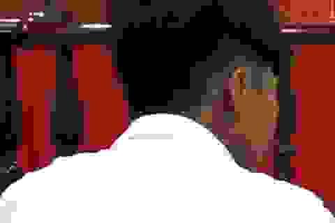 Cứu mẹ bị cha đánh, nam sinh viên lãnh án 2,5 năm tù