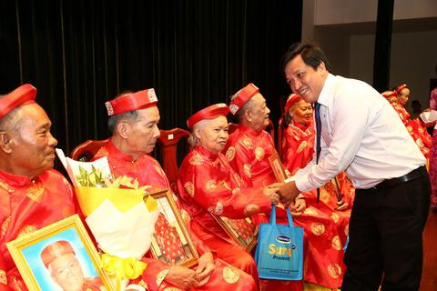 Tổ chức lễ mừng thọ và chăm sóc sức khỏe cho 1.000 người cao tuổi tại TPHCM