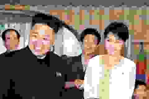 Kim Jong-un dẫn vợ đi xem hoà nhạc mừng năm mới