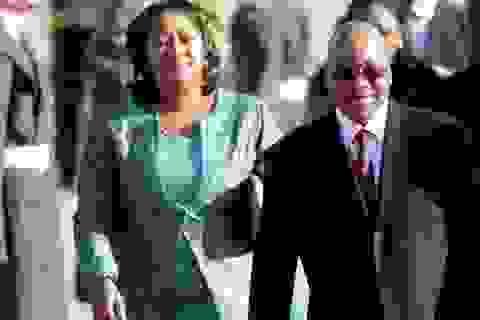 Vợ Tổng thống Nam Phi mất trang sức đắt tiền trên máy bay