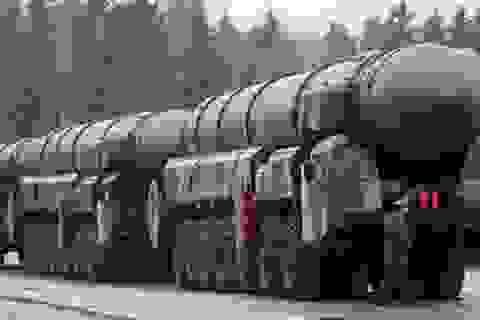 """Tên lửa đạn đạo Topol-M của Nga """"chấp"""" 5-7 tên lửa đánh chặn Mỹ"""