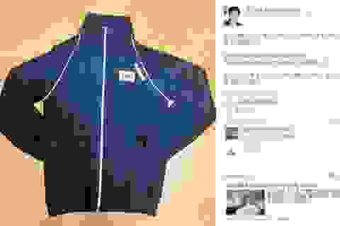 """Tổng thống Hàn Quốc khoe được tặng áo """"độc"""""""