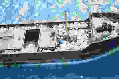 """Biển Đông: Sục sôi Bãi Cỏ Mây, tàu Trung Quốc bị """"lộ"""""""