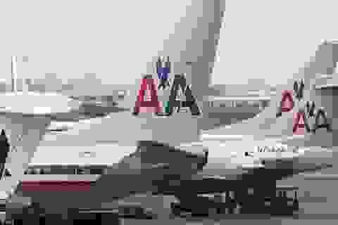 Máy bay Mỹ chở 172 khách phải hạ cánh khẩn cấp
