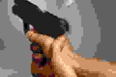 Chết vì bắn vào đầu để chứng minh súng an toàn