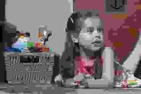 Bé gái 3 tuổi có chỉ số IQ cao ngang Bill Gates