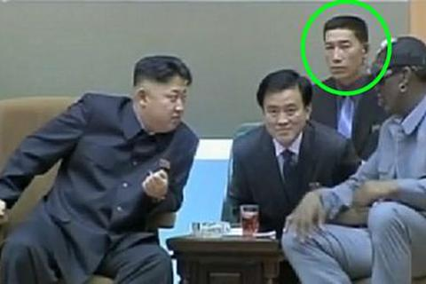 Hé lộ vệ sĩ tin cẩn của Kim Jong-un