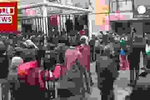 Người biểu tình tái chiếm tòa nhà chính quyền ở miền đông Ukraine