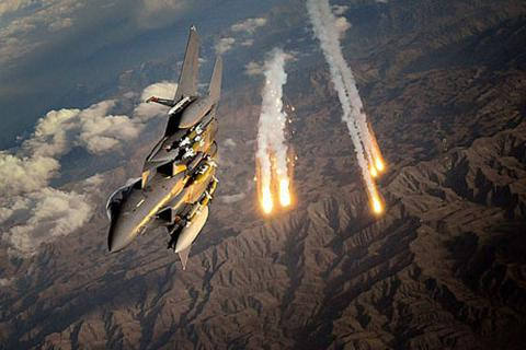 Mỹ và liên quân trút hơn 1.700 quả bom xuống IS