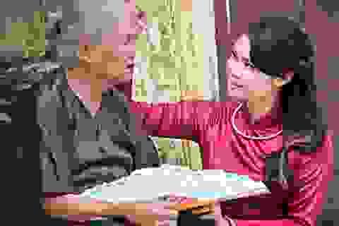 """Chùm ảnh """"tình bà cháu"""" của nữ sinh Hà thành"""