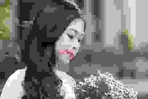 Ngỡ ngàng trước vẻ đẹp của hot girl trường Báo lấy chồng từ năm 19 tuổi