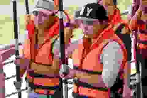 Đầu năm, chèo thuyền kayak