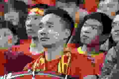 Các cung bậc cảm xúc của khán giả Việt Nam trên sân Mỹ Đình