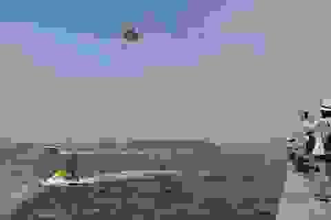 Sôi động màn trình diễn cano lướt sóng biển đảo Cù Lao Chàm